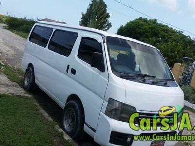 2001 Nissan Caravan bus